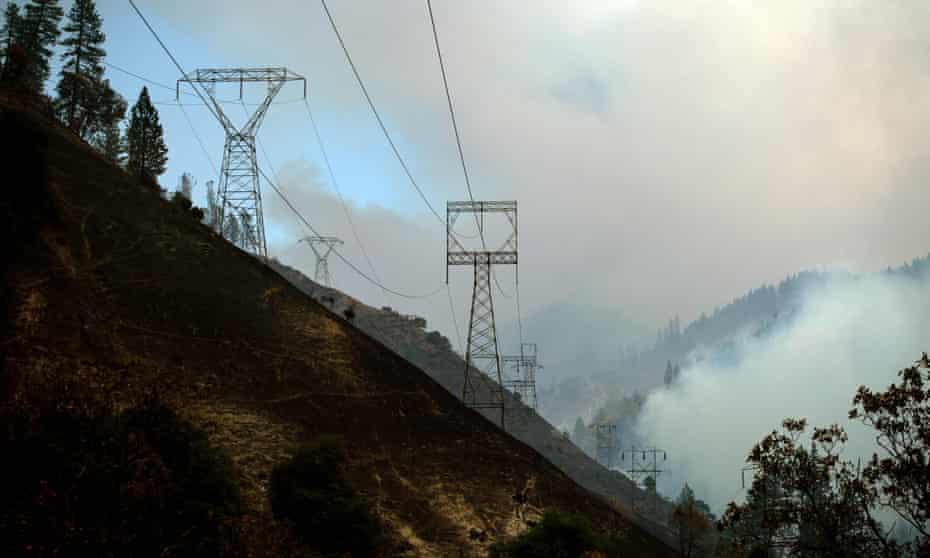 Power lines in Pulga, California, 8 November 2018.