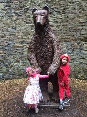 the bearpit in Sheffield Botanical Gardens.