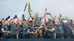 Exeter celebrate their Anglo-Welsh Cup triumph in 2014.