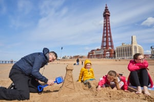 Dean Brown constructing a replica Blackpool Tower on the beach