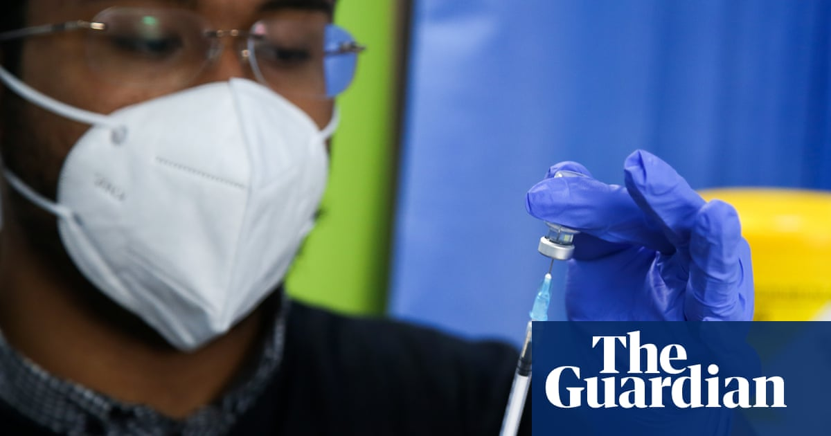 Covid 'booster' trial will give third vaccine dose to UK volunteers