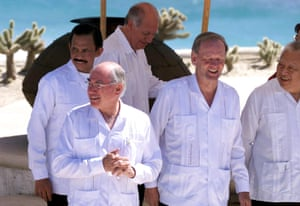 <strong>Mexico 2002:</strong> Australian Prime Minister John Howard (left) with The Sultan of Brunei (behind) and Canadian Prime Minister Jean Chretien (centre-right) wearing guayabera shirts.