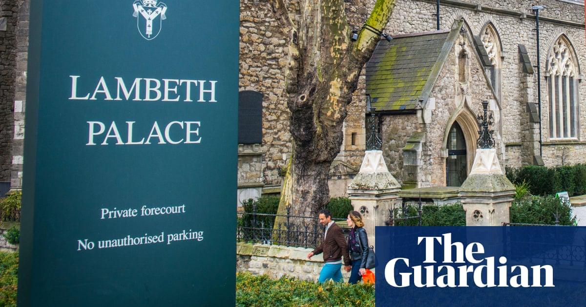 Anglican bishop of Ebbsfleet resigns to join Roman Catholic church