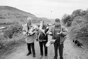 Cwm. Pigeon racers. 1998