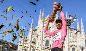 Dutch rider Tom Dumoulin of the Sunweb Team celebrates in front of Milan's cathedral after winning the Giro d'Italia