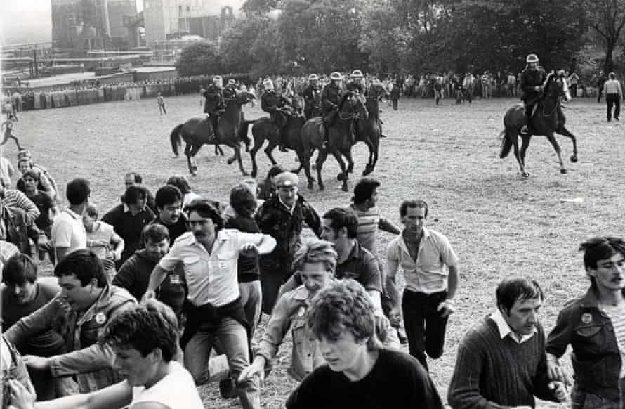 A confrontation between South Yorkshire riot police and a mass picket in Orgreave