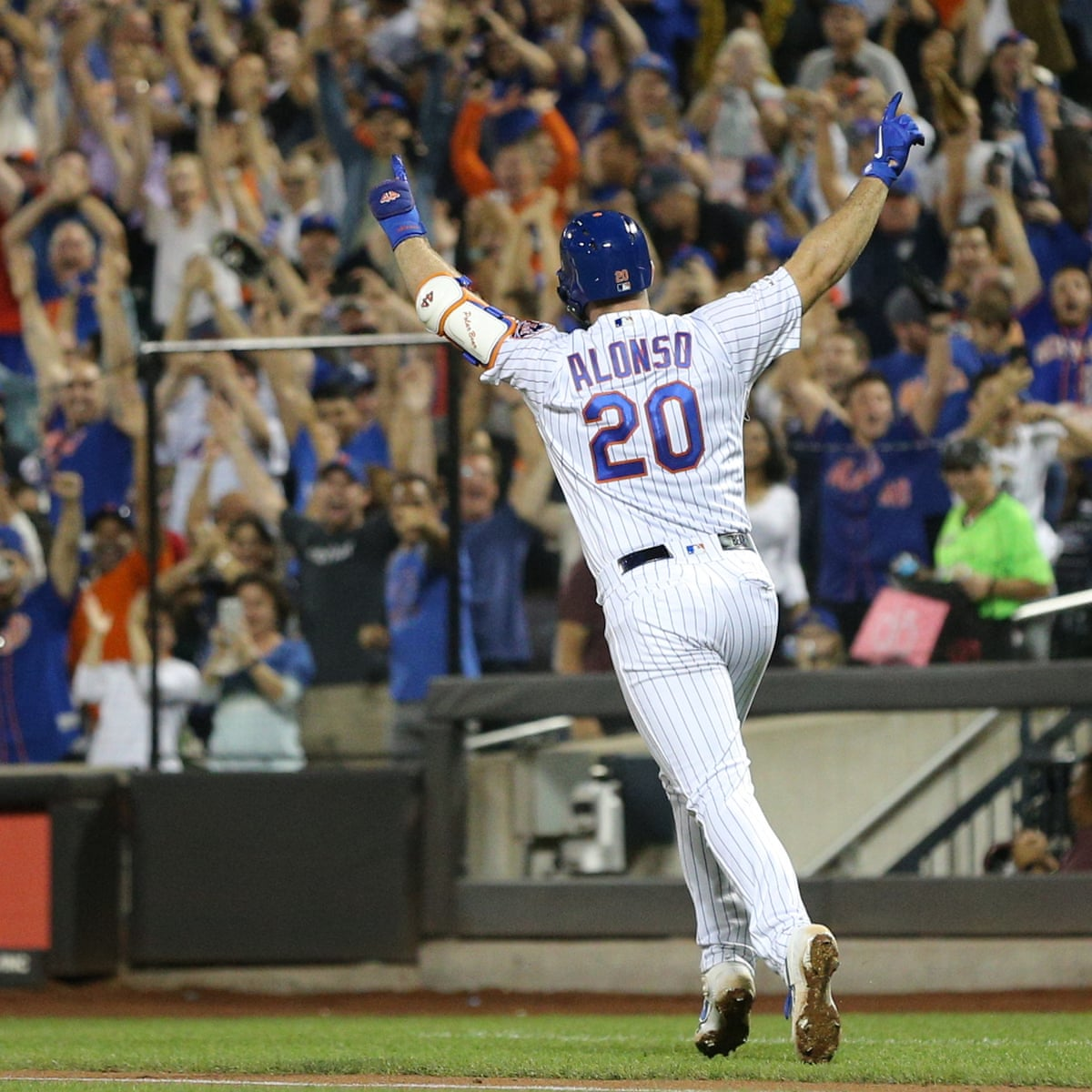 Pete Alonso Hits 53rd Home Run Of Season To Break Aaron Judge S Rookie Record New York Mets The Guardian