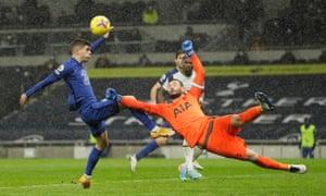 Hugo Lloris gets Spurs out of trouble