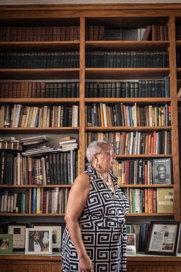 Minneapolis, MN - 19 de mayo de 2021 El activista de derechos civiles y empresario Cecil E. Newman fundó Minnesota Spokesman Recorder en agosto de 1934 como dos periódicos separados: Minneapolis Spokesman y St. Paul Recorder antes de fusionarse en una sola publicación de noticias en 2007. Hoy, Tracey Williams-Dillard, la nieta del Sr. Newman, se desempeña como directora ejecutiva / editora del periódico.