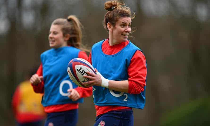 پیش بینی می شود سارا هانتر ، کاپیتان تیم ملی انگلیس هفته آینده به ردیف عقب ایتالیا برگردد