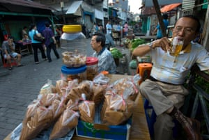 Daily life of Ethnic Chinese Indonesians at a Chinatown market