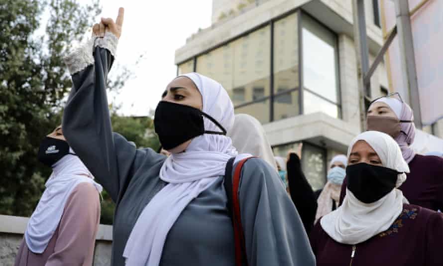 Women in Jordan protests against Macron