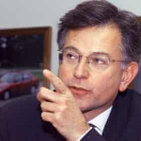 استیون بایرز در سال 1999.
