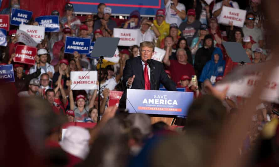 Former president Donald Trump holds rally in Cullman, Alabama, on Saturday.