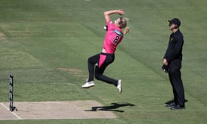 Ellyse Perry of the Sydney Sixers bowls during the Women's Big Bash League match against the Melbourne Stars at the MCG in Melbourne.