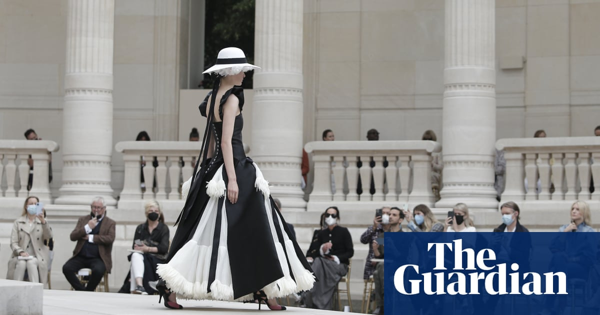 'We begin again': Chanel returns with first major live shows of pandemic