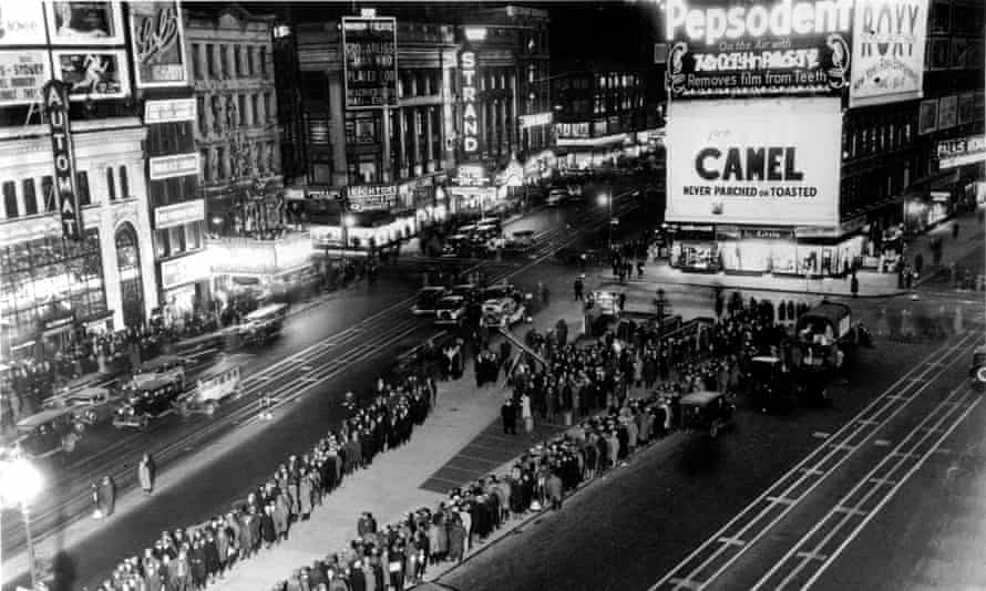 One Night, New York is an atmospheric portrait of a city in the grip of the Great Depression.