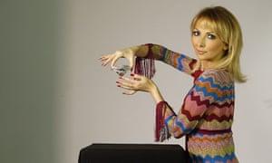 Million Pound Handjobs Nina Taylor in the studio