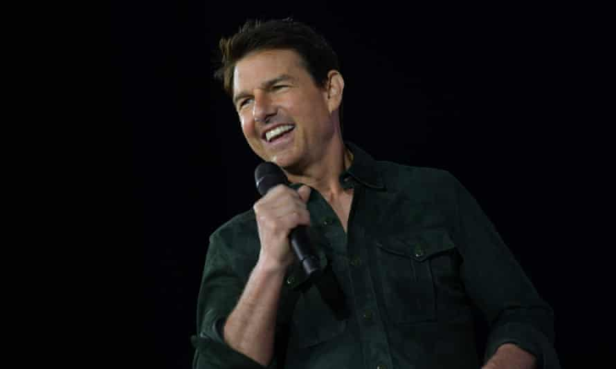 Tom Cruise is in talks about making a film shot in outer space, Nasa administrator Jim Bridenstine said on Twitter.