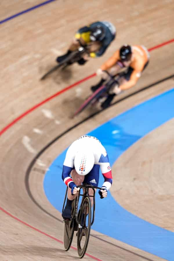 Jason Kenny streaks away from the chasing pack
