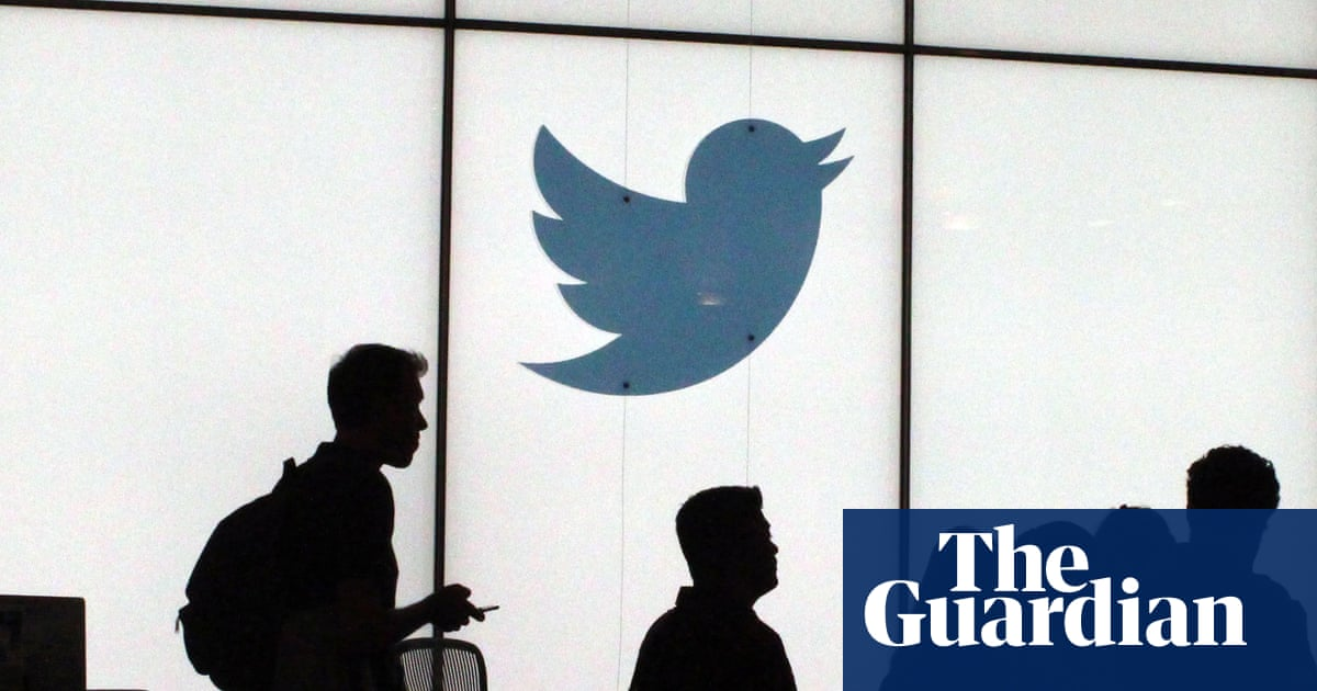 Twitter apologises for racist image-cropping algorithm