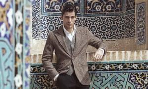 الموضة الإيرانية صناعة تعود مجددًا بعد أعوام من الظلام