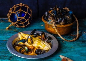Fillet of bass with mussels in a saffron sauce