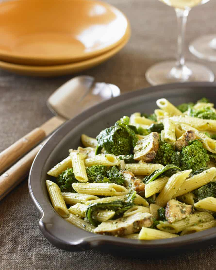 Penne with Broccoli and Mushrooms Tossed with Pesto