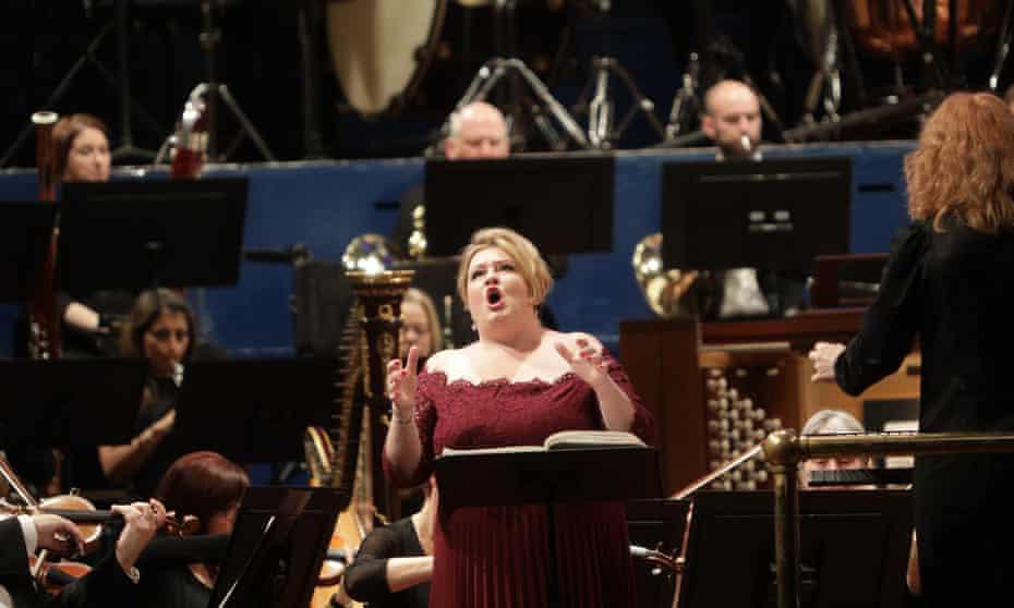 Karen Cargill as Judith in Bluebeard's Castle at Leeds Town Hall.