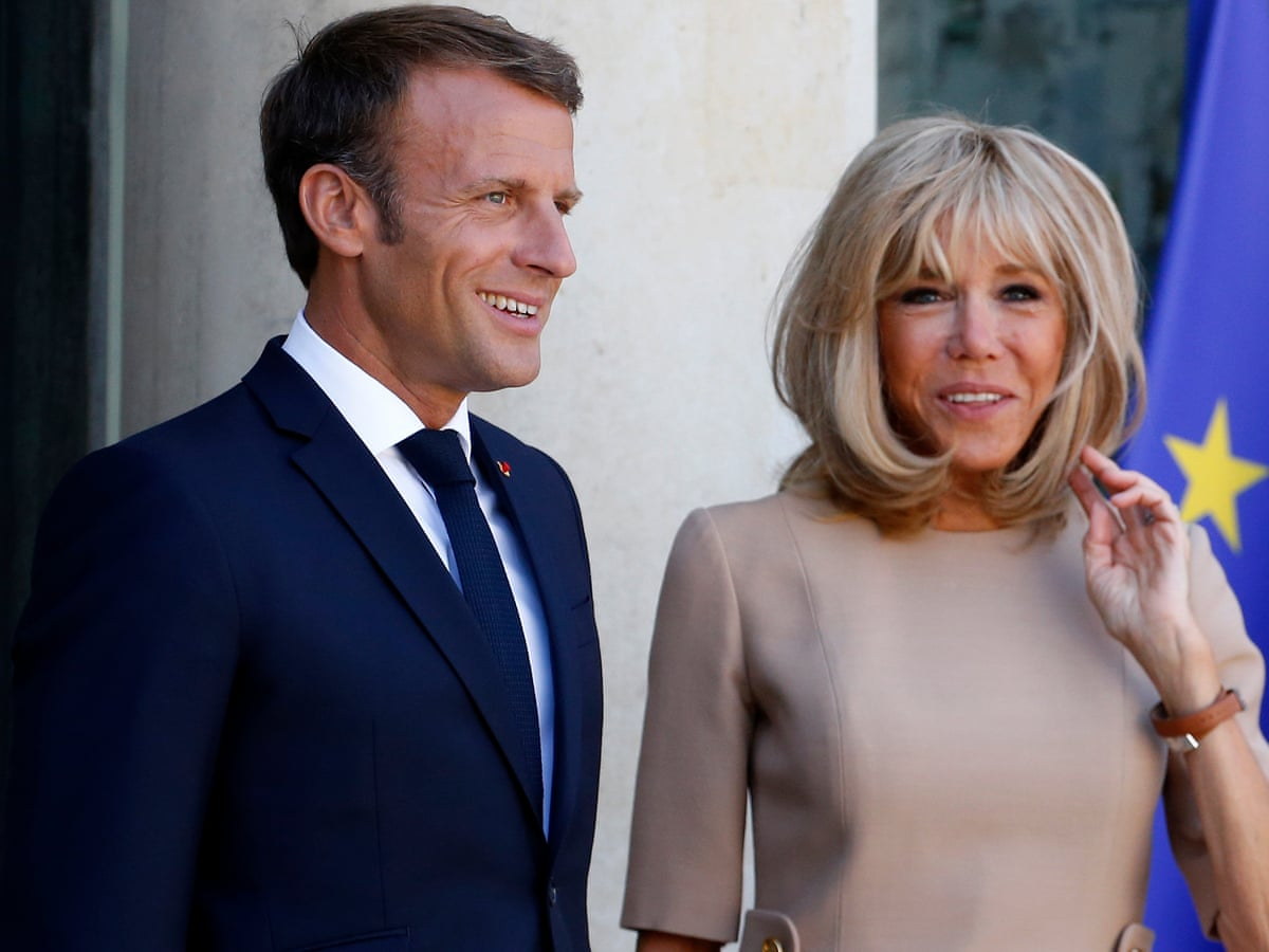 Macron Rebukes Bolsonaro For Extraordinarily Rude Comments About Wife Emmanuel Macron The Guardian