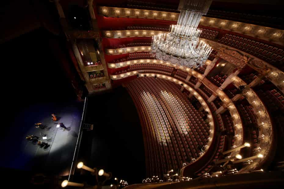 Leg room … the audience for Wednesday Strolls is capped at 20 – in stark contrast with the Staatsoper's 2,000-plus capacity.