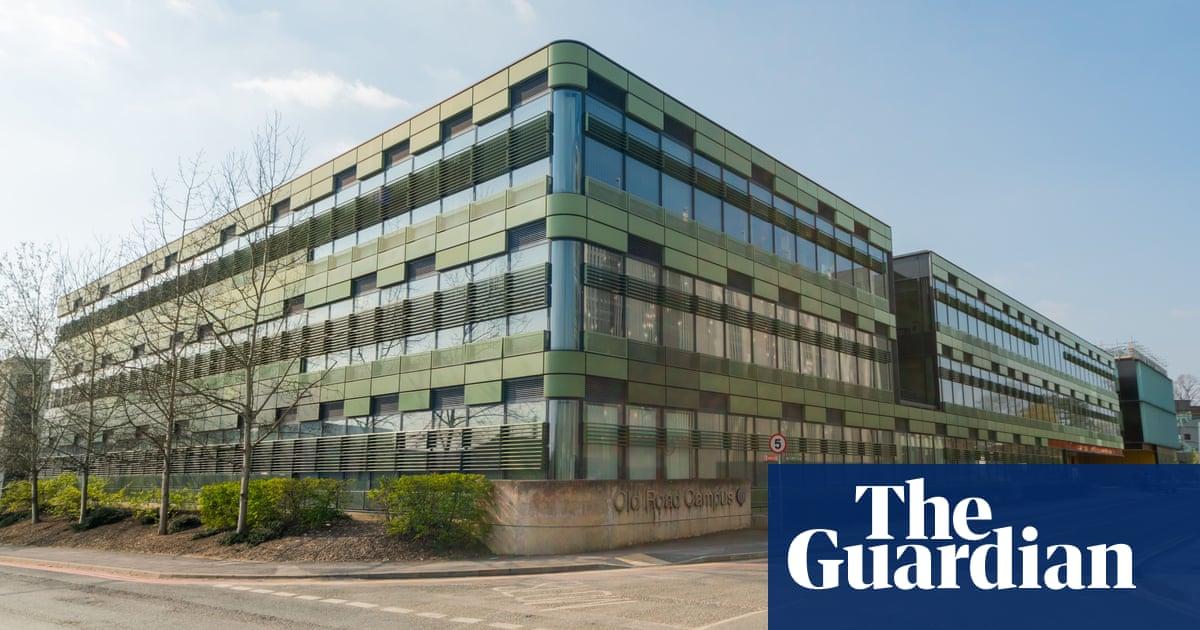 Coronavirus: world's biggest trial of drug to treat Covid-19 begin in UK