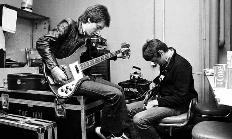 Bruce Foxton and Paul Weller backstage while in The Jam