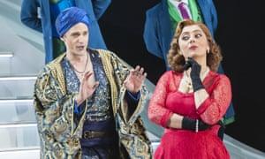 Ezgi Kutlu, with Quirijn de Lang as the amorous bey, in L'italiana in Algeri.