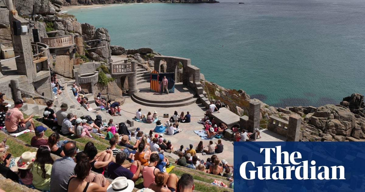 From fantastic views to fox urine: the joys and perils of outdoor theatre