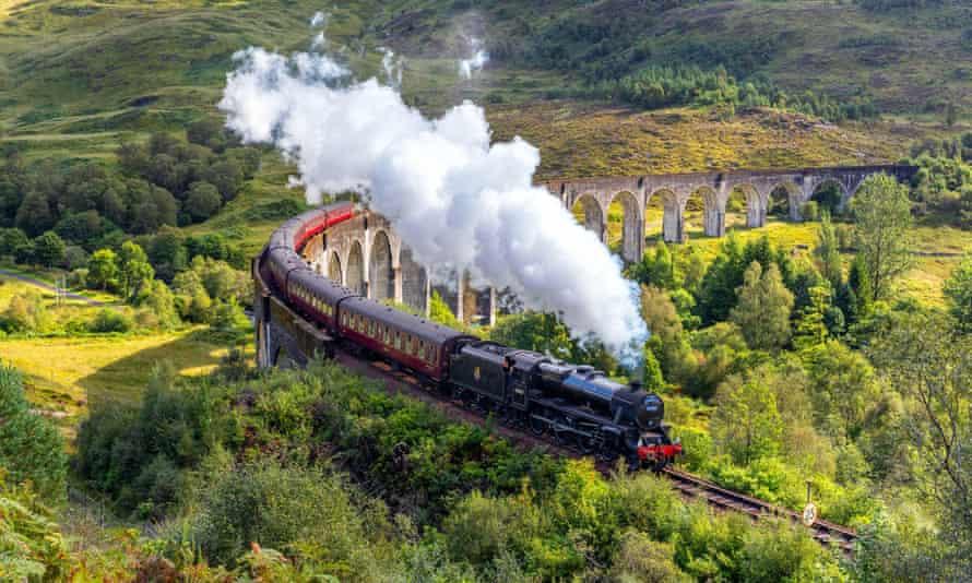 The Jacobite Steam Train (aka the Hogwarts Express)