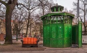 Café Achteck (café octagon) urinals in Berlin.