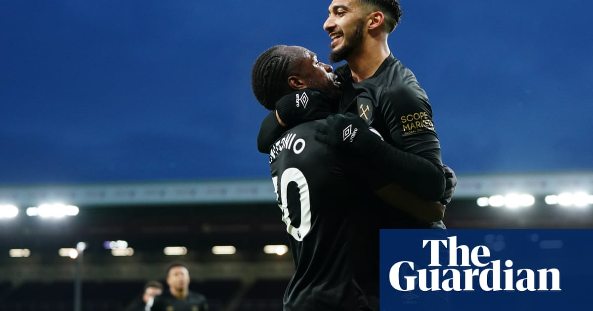 Michail Antonio double boosts West Ham's top-four hopes with Burnley win