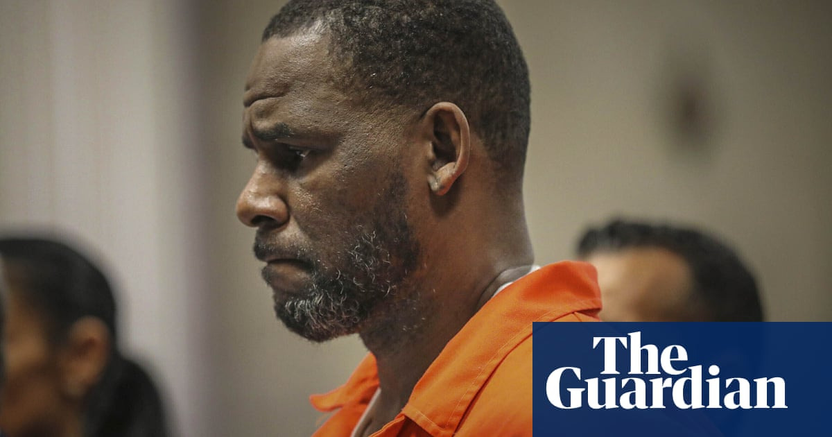 R Kelly: sex trafficking trial to begin with jury selection after several delays