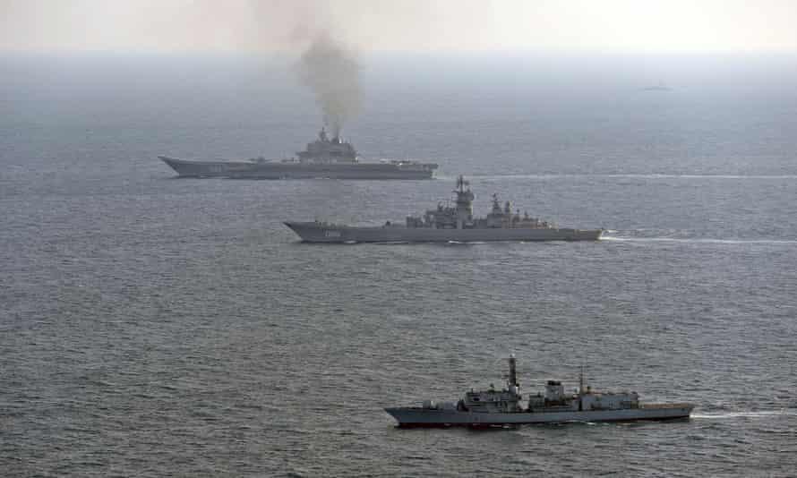 HMS St Albans and Admiral Kuznetsov