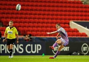 Joe Simmonds takes a penalty kick