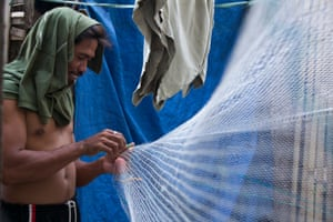 Transforming discarded fishing nets into carpet tiles,