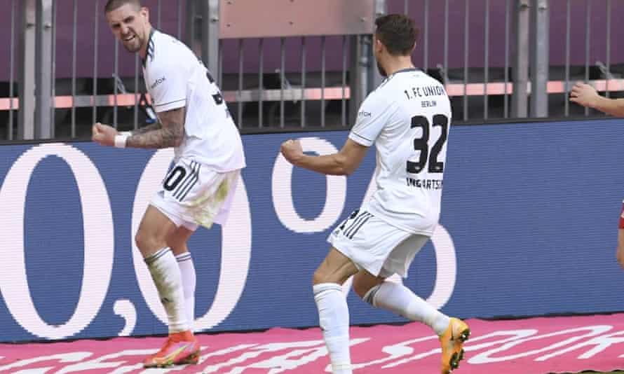 Union's Marcus Ingvartsen (right) celebrates