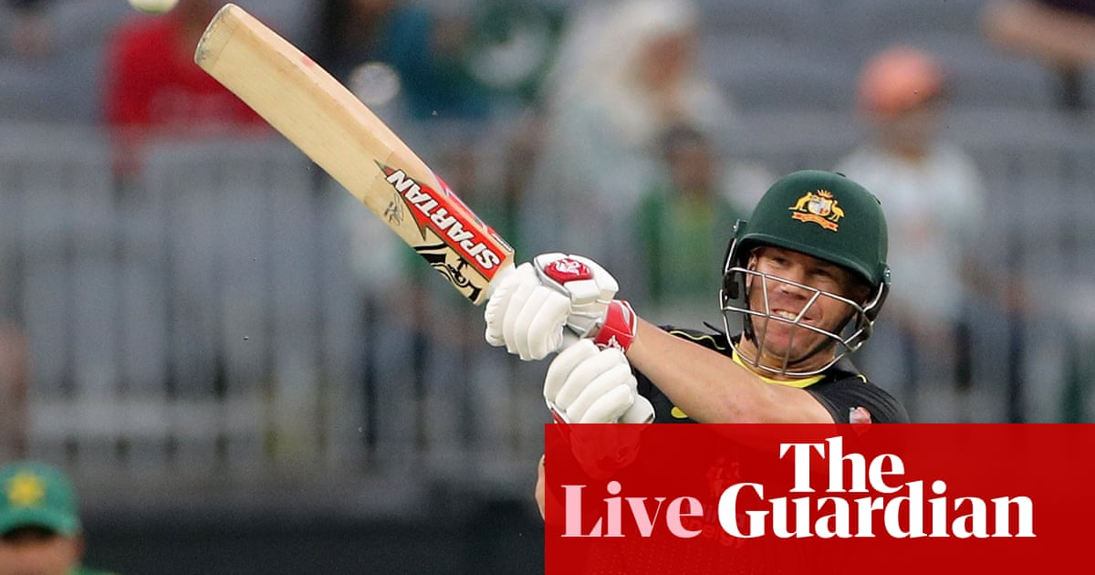 Australia thrash Pakistan by 10 wickets in third T20 - as it happened