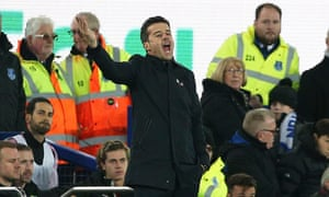 Marco Silva displays his frustration during Everton's home defeat to Everton.