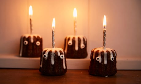 Kim-Joy's recipe for rum and vanilla canelé candles