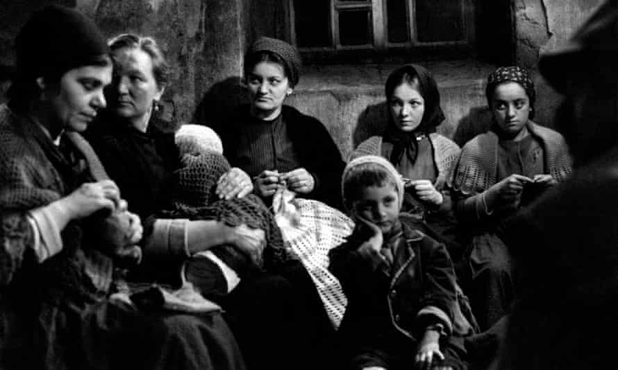The Tree of Wooden Clogs, directed by Ermanno Olmi, focused on the hardships of peasant life in Lombardy.