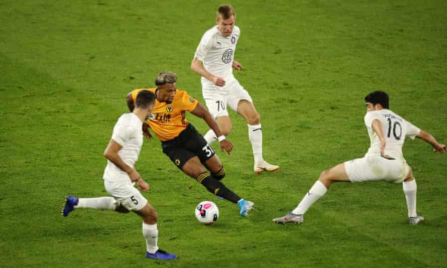 Adama Traoré unbalances the Torino side
