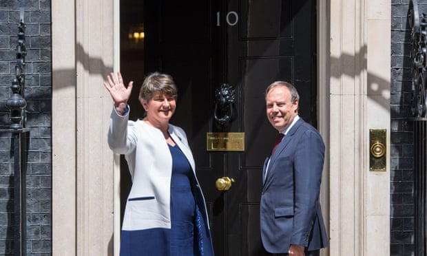 theguardian.com - Andrew Sparrow - Theresa May to meet Arlene Foster in hope of finalising Tory/DUP deal - Politics live