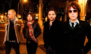 Fountains of Wayne … With Chris Collingwood left and Adam Schlesinger second right.